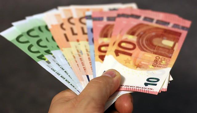 Kostet Sprit bald mehr als 2 Euro?