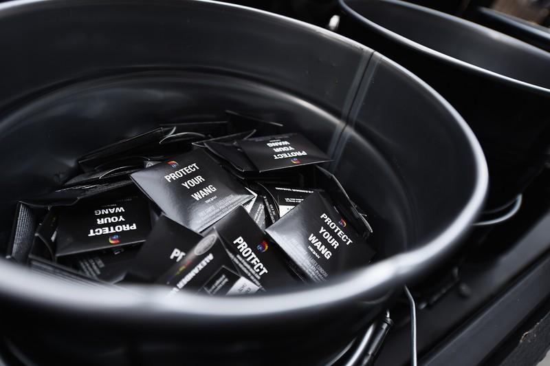 Verhütungshinweis einer US-Behörde: Kondome nur einmal tragen!