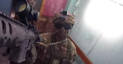 Ein Ex-Soldat spielt Airsoft