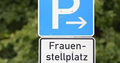 Gerichtsprozess um Frauenparkplätze