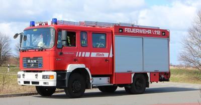 Bauer löscht Brand auf eigene Gefahr - die Feuerwehr blamiert sich