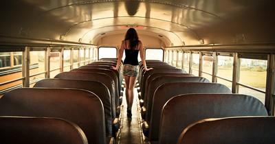 Schmuddelfilm in Linienbus sorgt für Aufregung: Auch der Busfahrer machte mit