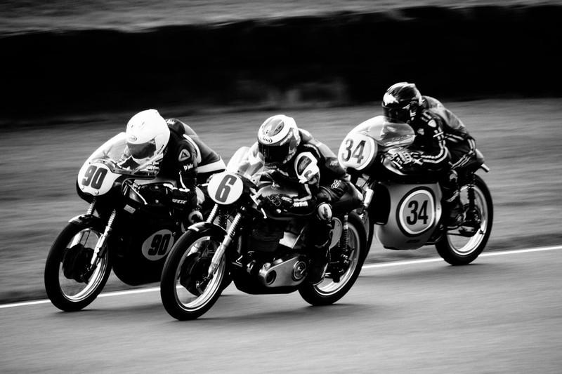 Das Bild zeigt Motorradfahrer