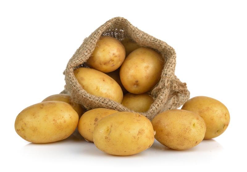 Kartoffeln enthalten zwar auch viele Kohlenhydrate, diese sind jedoch gut verdaulich und werden leicht von unserem Körper verarbeitet.