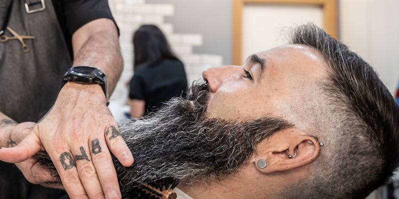 Bartwichse versorgt deinen Bart mit Feuchtigkeit und Schutz und gibt diesem einen tollen Glanz.