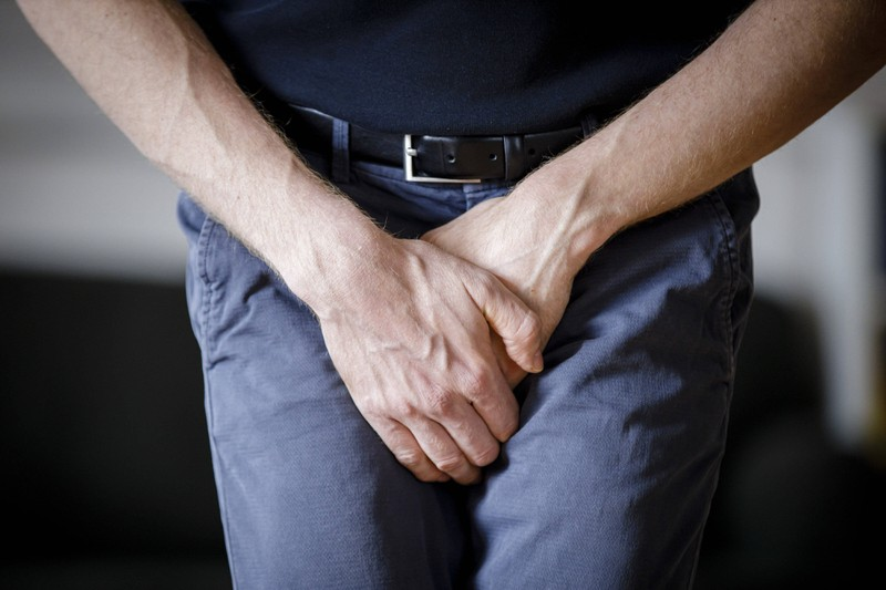 Schmerzen in den Hoden und am Hodensack beim Mann