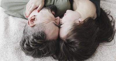 4 Sätze, die Frauen während des Liebesakts hören wollen