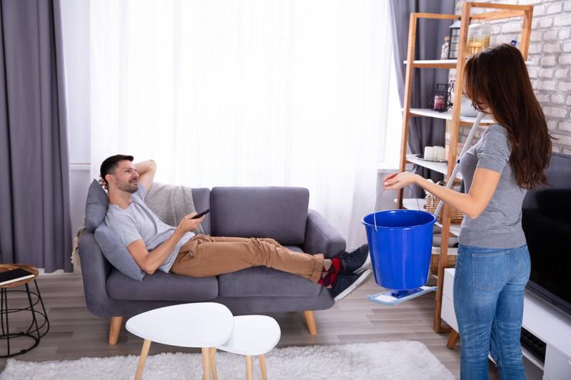 Die Routine kann Frauen an Männern nerven