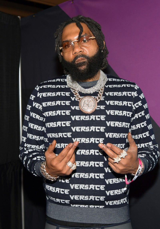 Der Rapper Money Man kombiniert die neuen It-Accessoires für Männer.