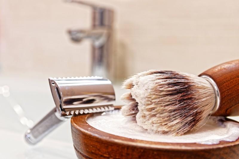 Der Schnurrbart sollte sauber rasiert werden