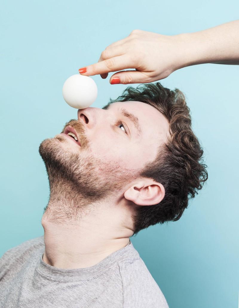 Um den Stoffwechsel anzukurbeln, sollten Männer auf eine eiweißreiche Ernährung achten.
