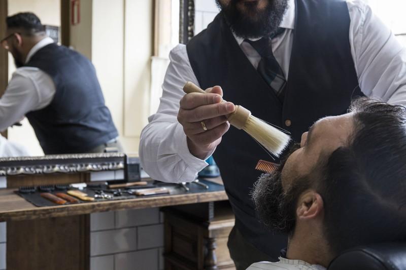 Die Frisur mit Style, die Männer 2020 zum Trendsetter macht.
