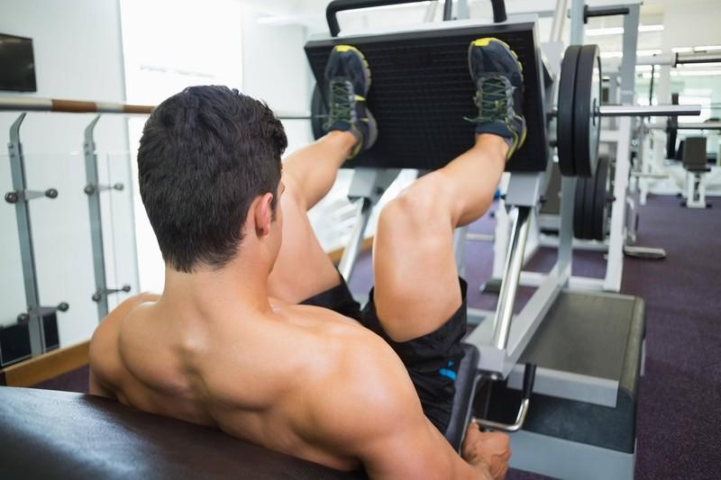 Um viel Fett zu verbrennen, sollte man die Beinpresse machen