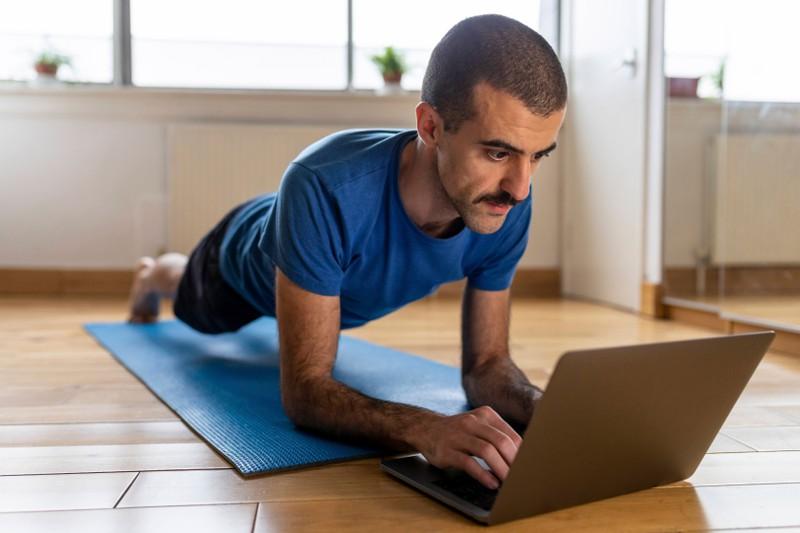 Den Muskeln Ruhe zu geben ist genau so wichtig, wie das Training.