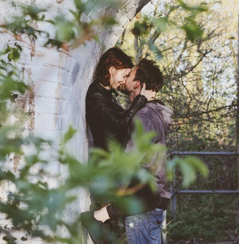 Paare durchlaufen verschiedene Beziehungsphasen.