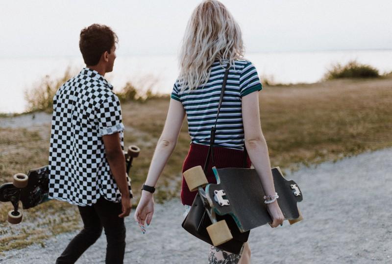 Vor allem wenn man etwas alleine mit der Frau unternimmt, stehen die Chancen gut, aus der Friendzone zu entkommen.