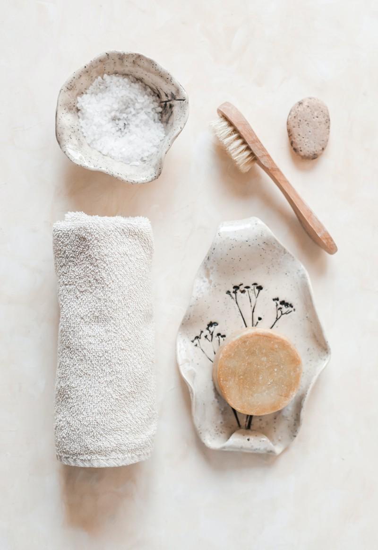Bei einem schwitzenden Po soll es helfen, pH-neutrale Seife zu verwenden.