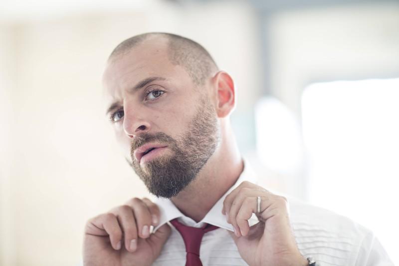 Beim Faded Beard sollte der Bart erstmal von einem Profi zurecht gestützt werden.