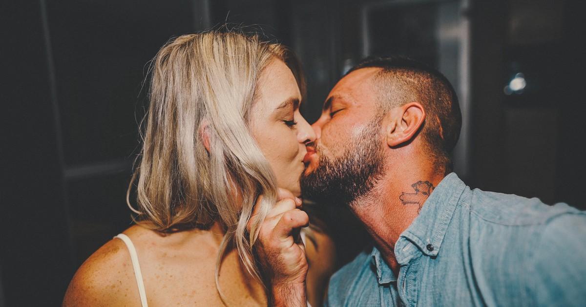 Tricks fürs Küssen: Worauf stehen Frauen beim Küssen?