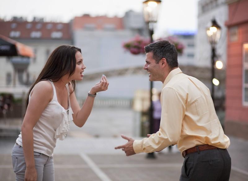 Eine Partnerschaft, in der es anscheinend zu viele Meinungsverschiedenheiten gibt, was zum Streit und zur Trennung führen kann