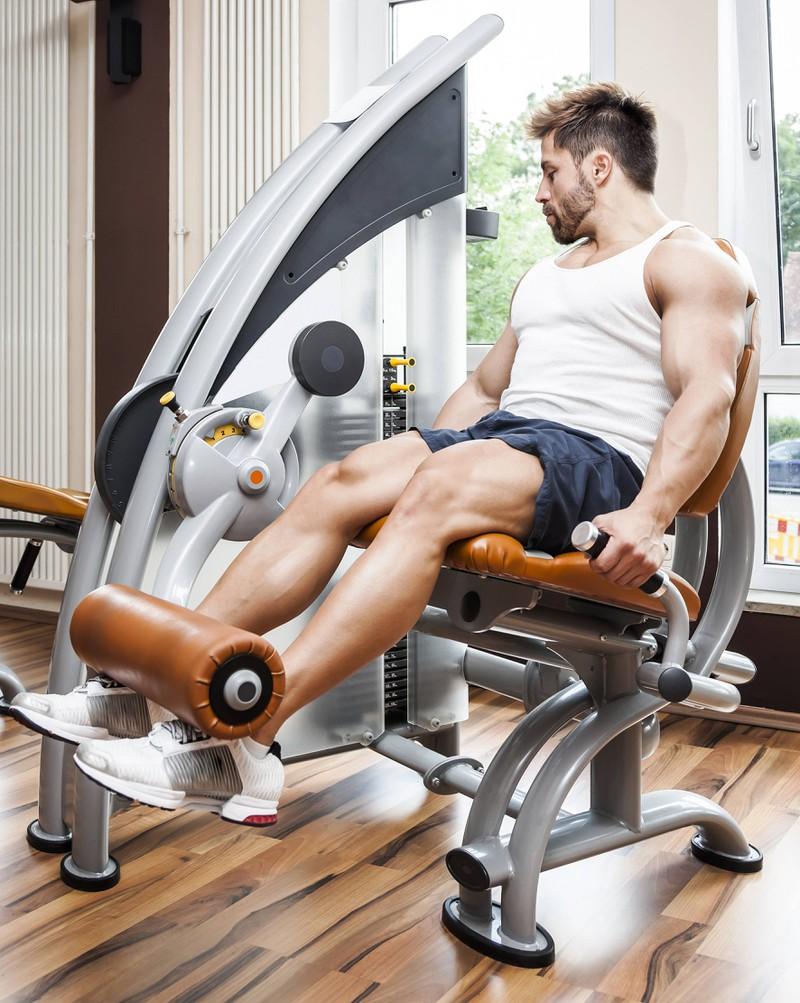 Die Beinpresse hilft dabei, trainierte und starke Beine zu bekommen.