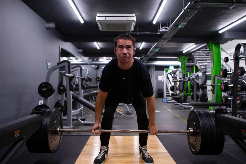 Halbe Wiederholungen trainieren deine muskulösen Beine ebenfalls sehr gut.