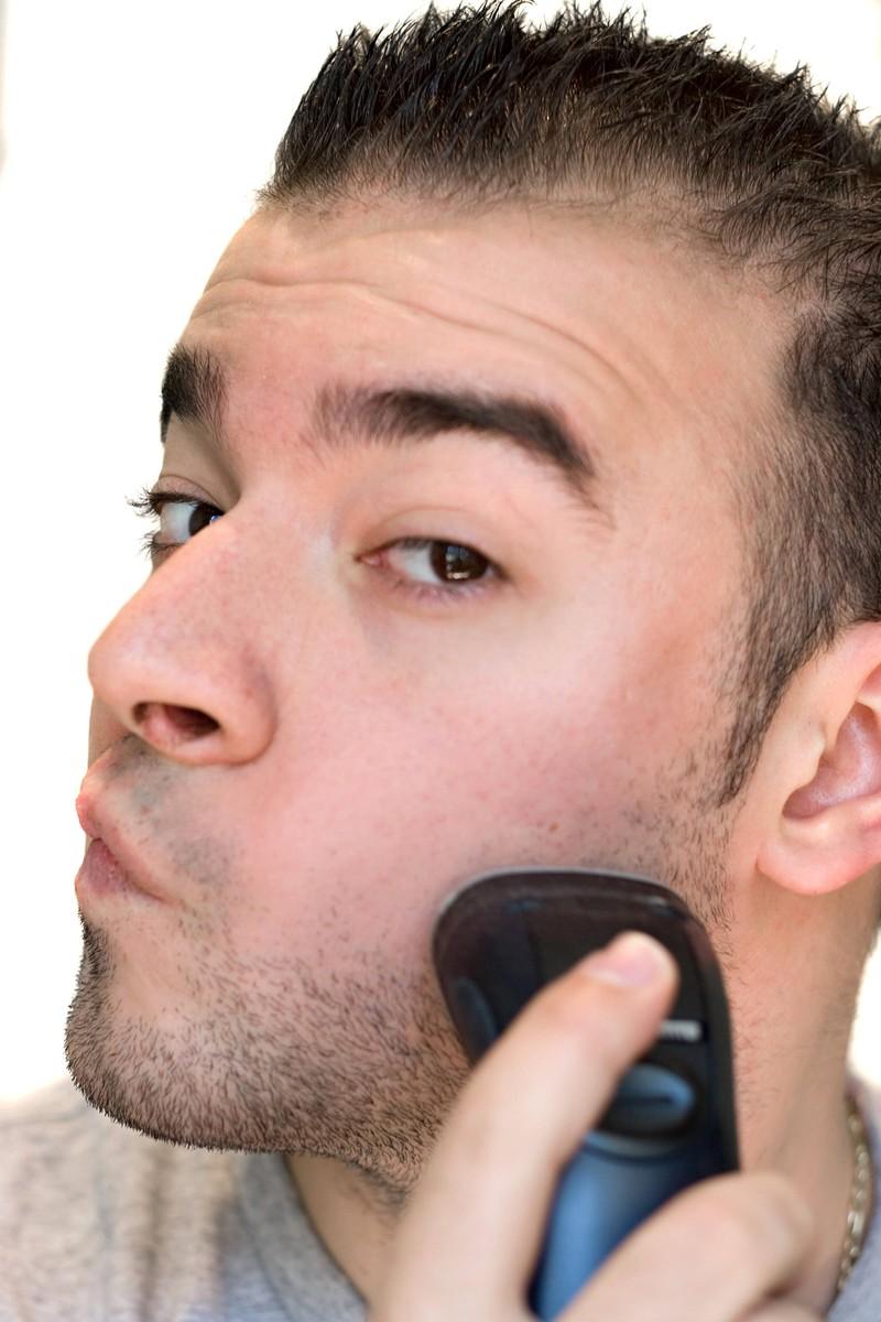 Damit er nicht ungepflegt wirkt, muss auch der  3-Tage-Bart getrimmt werden