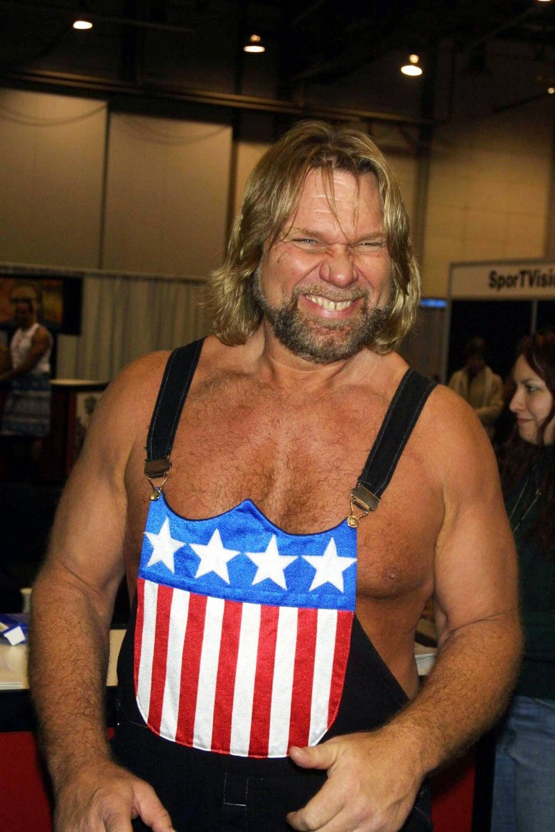 Jim Duggan hatte sein Wrestling-Debüt in den späten 1970ern.