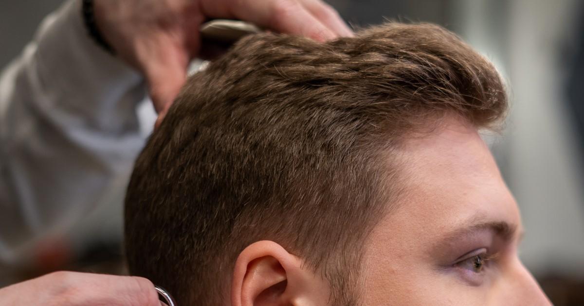 6 Männerfrisuren, die 2021 im Trend sein werden
