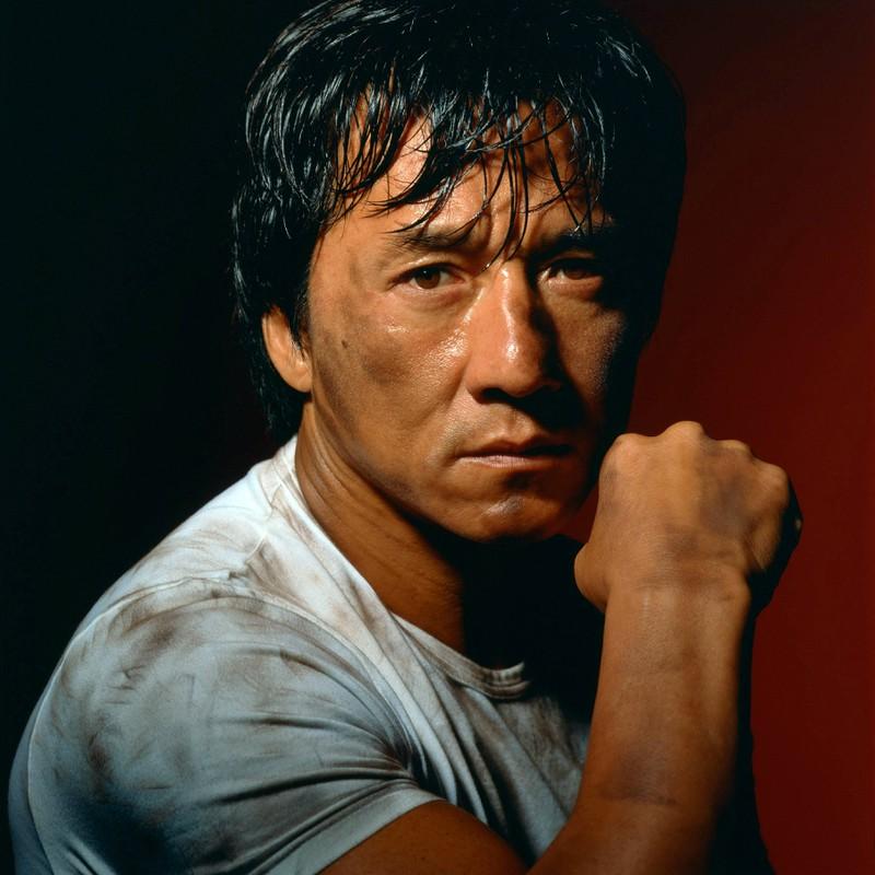 Jackie Chan ist bekannt dafür, dass er fast jeden Stunt selbst durchführt